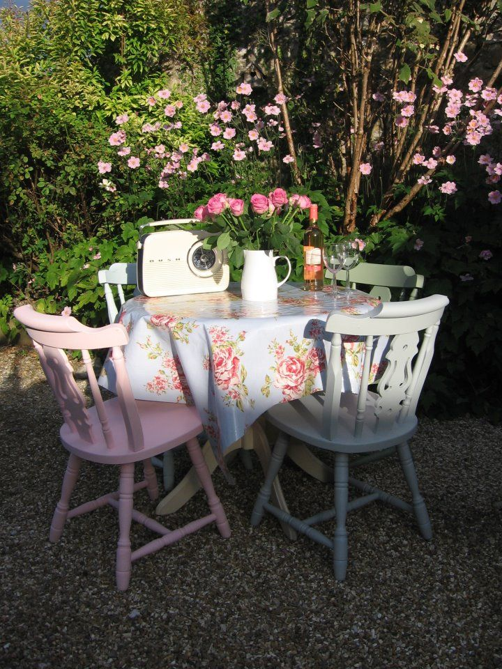 Pretty pastel chairs :) | The knot! | Pinterest | Garden ...