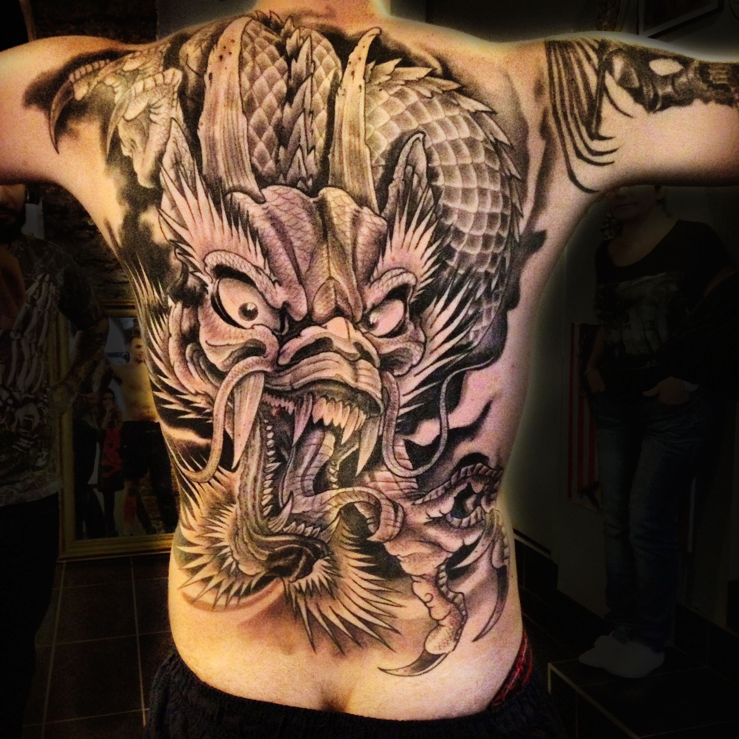 japanese dragon tattoo full back ink 39 a tattoo lyon tattoos pinterest. Black Bedroom Furniture Sets. Home Design Ideas