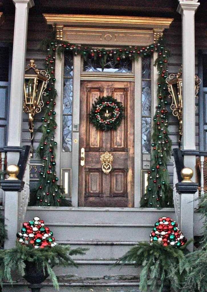 25 Amazing Christmas Front Porch Decorating Ideas Com Imagens Decoracao Natalina Decoracao De Natal Ideias De Decoracao