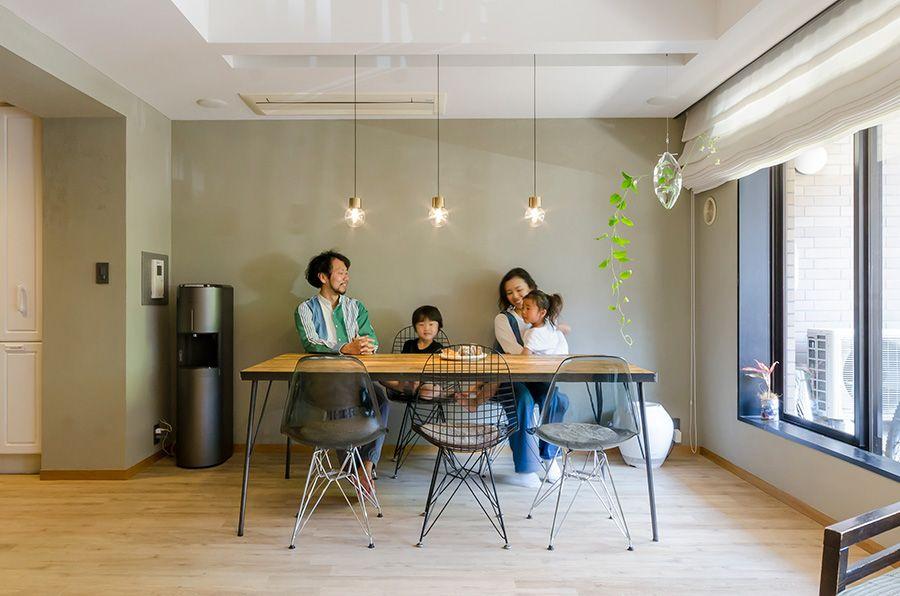 個性のある間取りを改造リノベで手に入れた家族の理想のカタチ 2020 小さい部屋のデザイン リビング ニッチ 内装