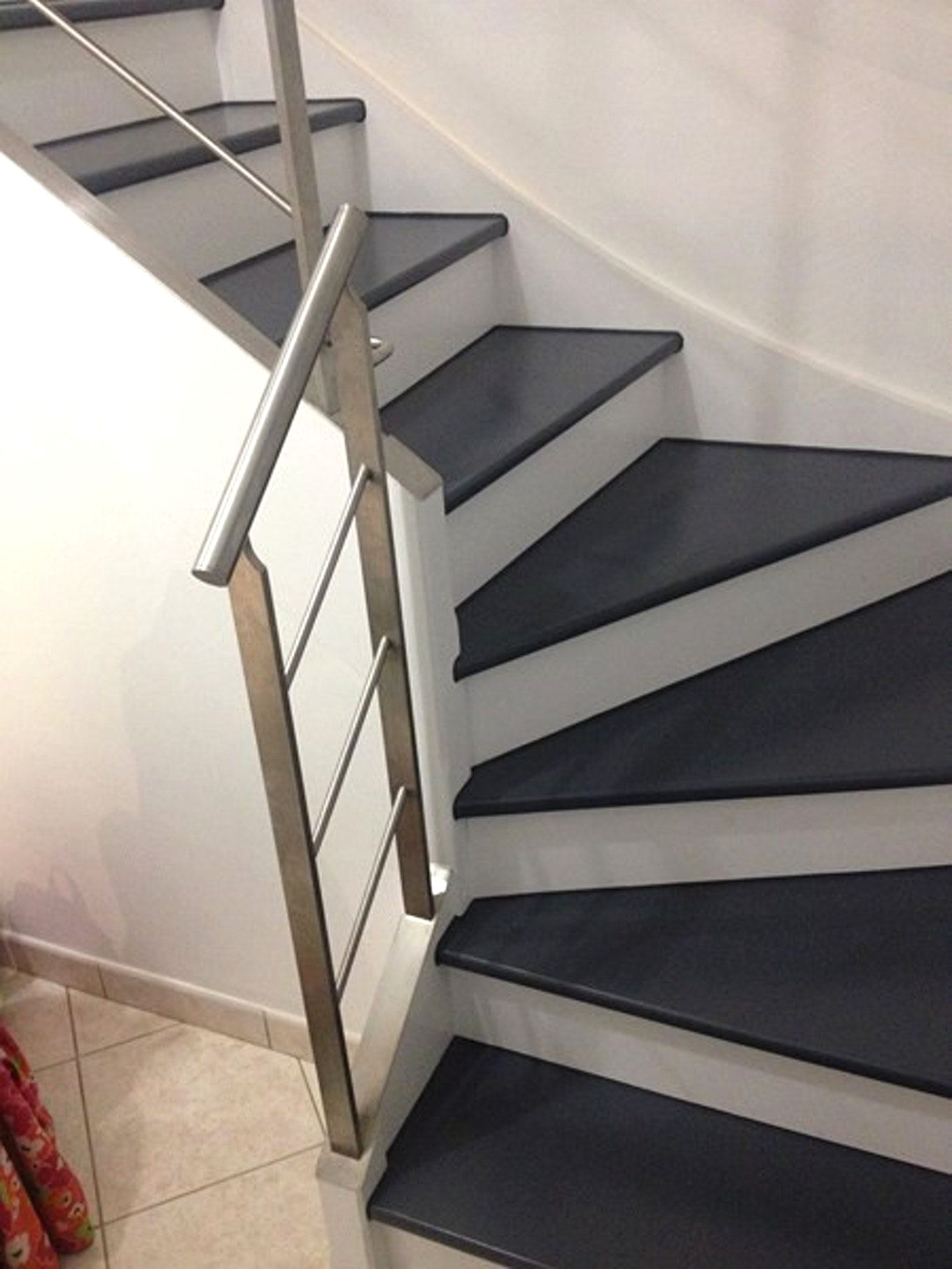 Relooker escalier marbre idees deco avec relooker un escalier en granito et relooker escalier - Escalier bois interieur ...