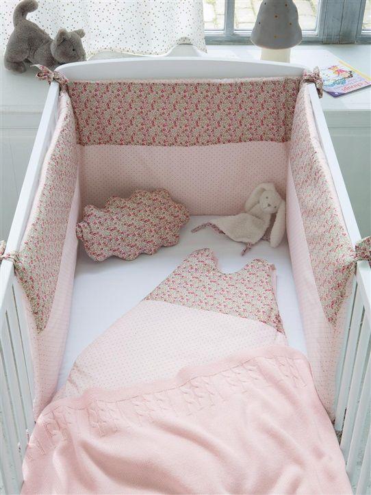 Tour De Lit Pois Liberty La Maison Vetement Et Deco Cyrillus Couture Chambre Enfant Chambre Bebe Chambre Bebe Fille Rose