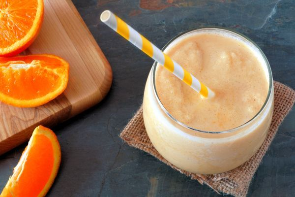 Creamsicle Smoothie Directions: 1. Place coconut water in the blender. Blend with the oranges until smooth. 2. Add the frozen and fresh bananas and vanilla and blend again until very smooth and creamy. If you use only fresh bananas instead of frozen the smoothie will still taste wonderful. It just won't be as creamy and dessert-like.  3. Serve righ