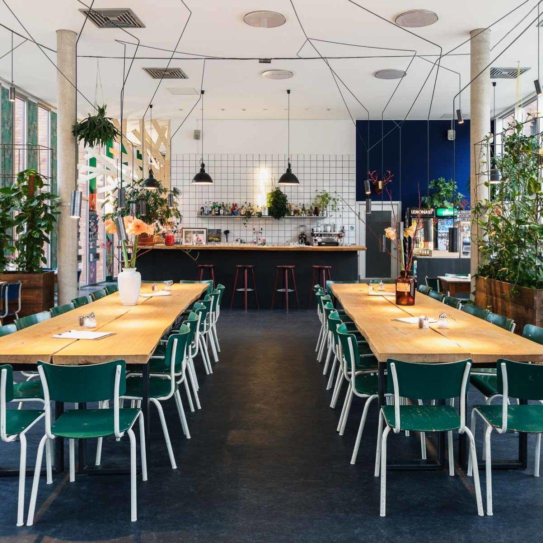 Cafes Und Kaffee In Berlin Berlin Creme Guides Restaurant Deutsche Kuche Berlin Cafe Restaurant