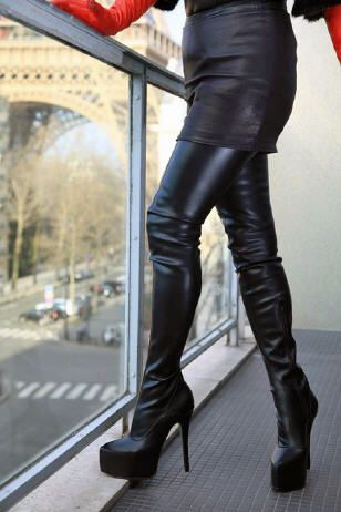 99286f6f1a2 High-Heel Crotch Thigh Boots with platform black leather and very long red  leather gloves - by Miceli - Made in Italy