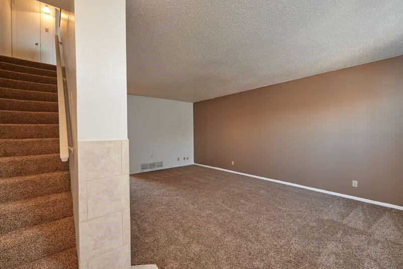 915 595 2433 1 3 Bedroom 1 2 5 Bath Wyndchase 2435 1601 Mcrae El Paso Tx 79925 Apartments For Rent Metro Apartment Living Environment