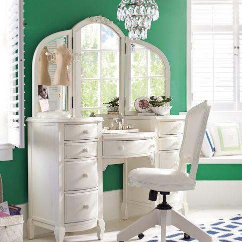 Tocador de maquillaje de estilo vintage en blanco sobre - Tocadores vintage ...