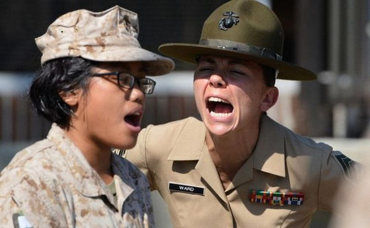 The Front Lines 32 Photos Suburban Men Female Marines Drill Instructor Military Women
