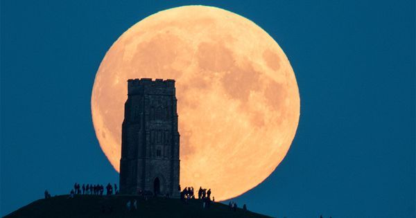 Don't miss the largest supermoon in 7 decades