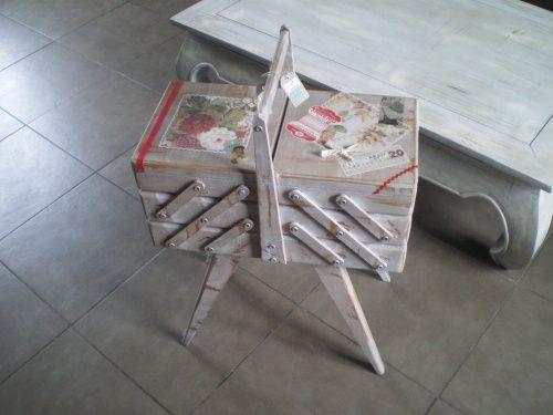 meubles customis s recyclage pinterest meubles travailleuse et recyclage. Black Bedroom Furniture Sets. Home Design Ideas