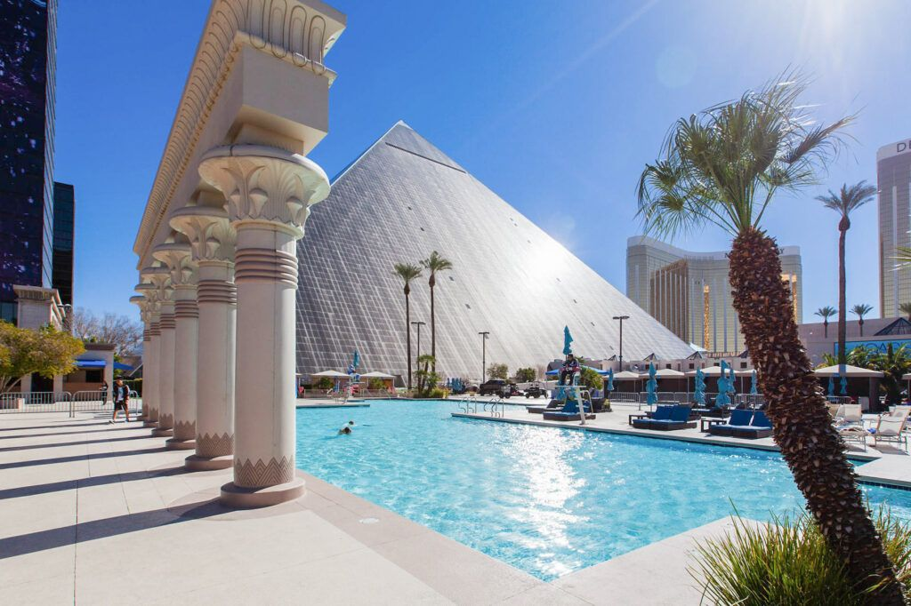 The 9 Best Las Vegas Hotels On The Strip Las Vegas Hotels Best Las Vegas Hotels Vegas Hotel Rooms