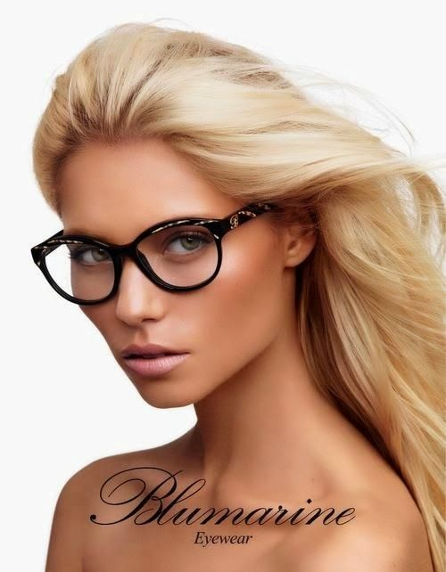 f1986b8700 Incredibly beautiful blonde with glasses