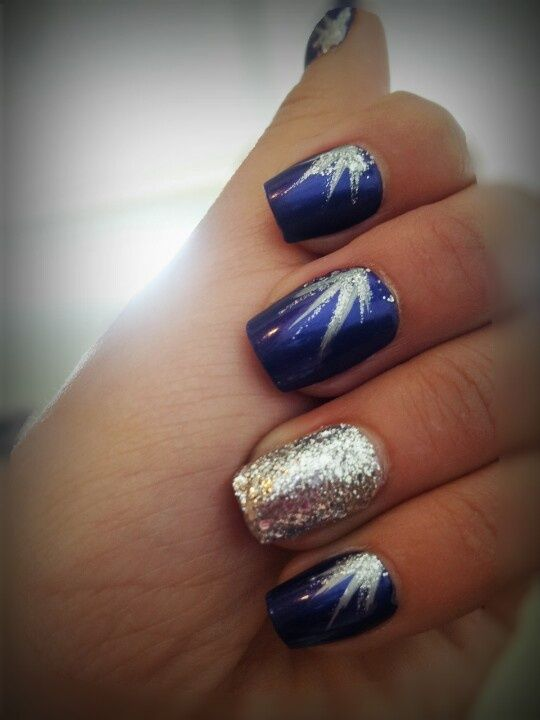 nail design with navy silver