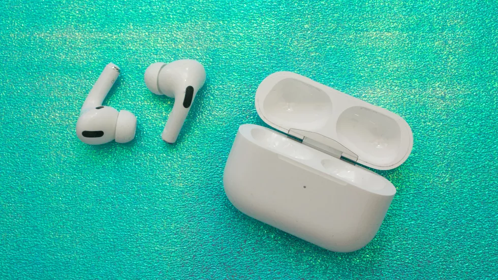 Apple Airpods Pro Have A New Design Airpods Pro Wireless Earbuds Earbuds