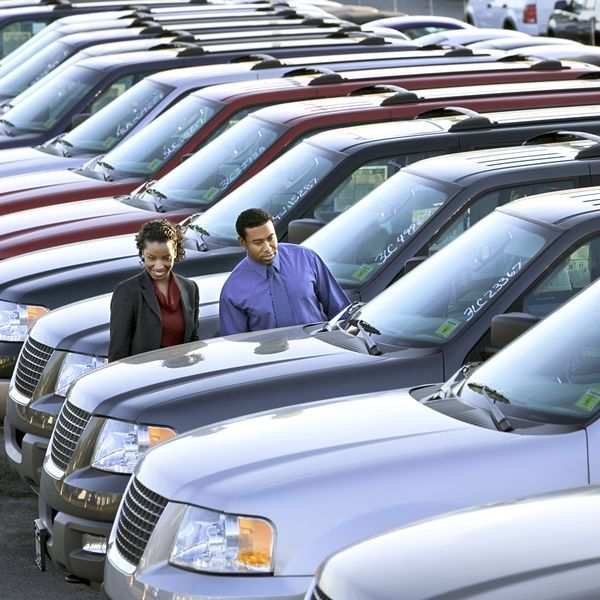 10 Tips For Used Car Shopping Ehow Car Lease Car Buying Car Dealer
