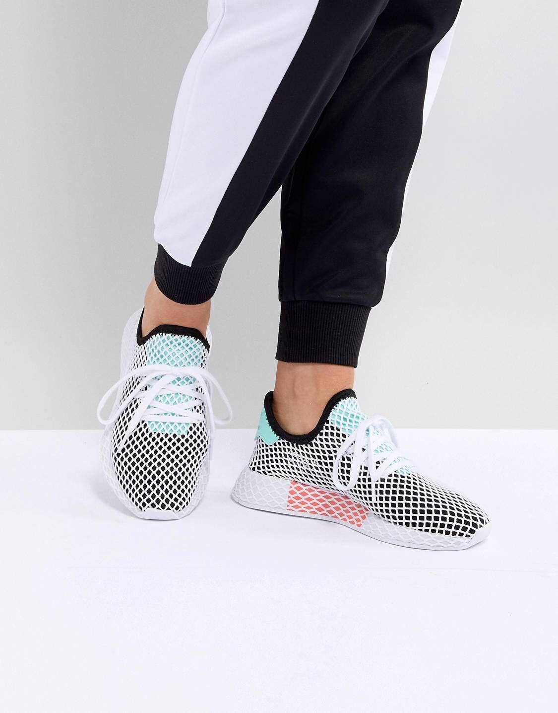 reputable site 15a2c 83706 Zapatillas de deporte en negro y verde Deerupt de adidas Originals