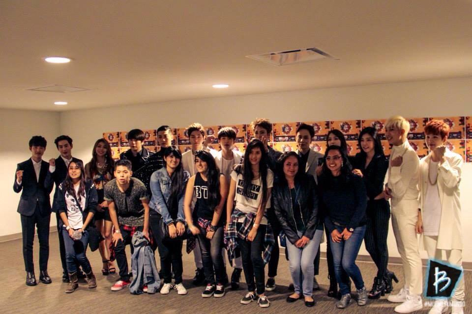 Music Bank in Mexico Meet & Greet with luck fans