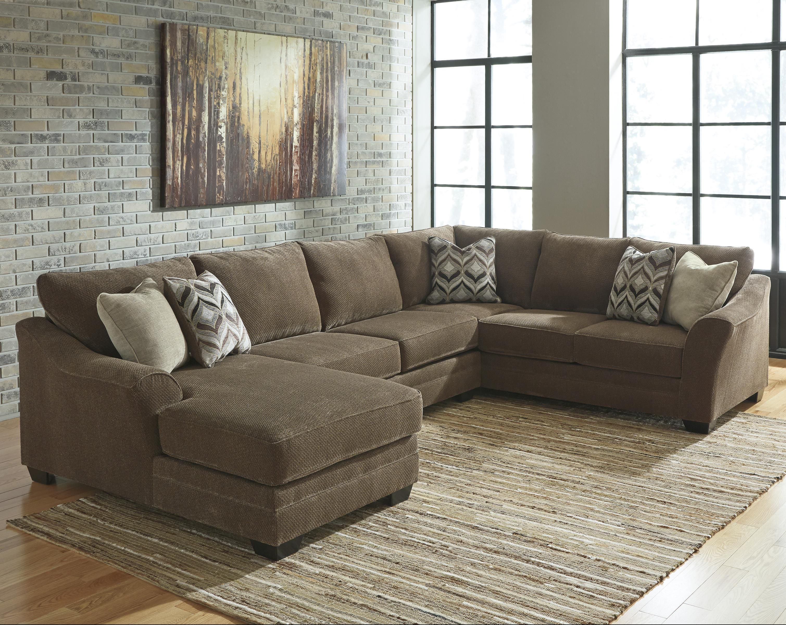Justyna Contemporary 3 Piece Sectional with Left Chaise by Benchcraft