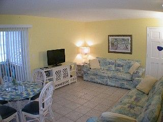 Inexpensive 2 BR, Beachy Condo, 21/2 minute walk to beach JUNE $599/7 SPECIALS!! Vacation Rental in Clearwater Beach from @homeaway! #vacation #rental #travel #homeaway