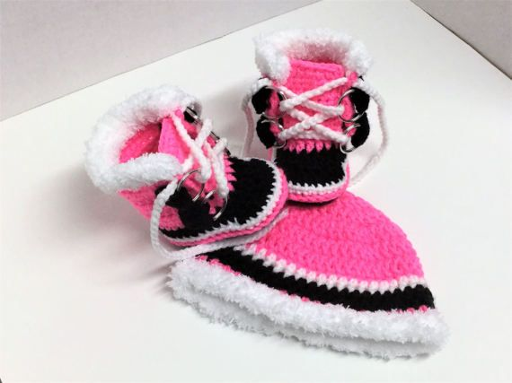 f95146b8d8b Sorel Pacs Newborn Pink Crochet Style Boots and Beanie Hat