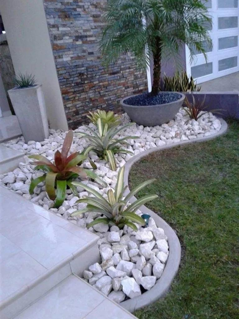 21 Best White Gravel Landscaping Ideas Designs Small Front Yard Landscaping Front Yard Garden Rock Garden Landscaping