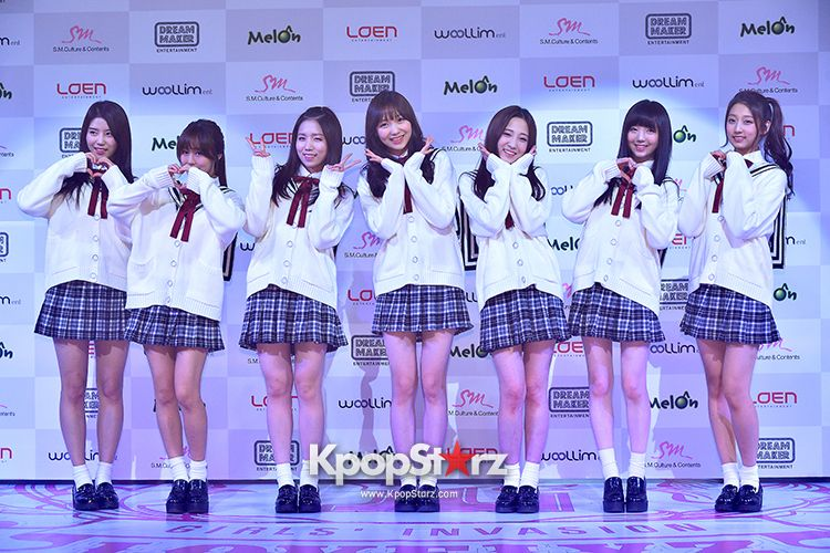 Woollim Entertainment S New Girl Group Lovelyz Attends The Debut Showcase Nov 12 2014 Photos Http Www Kpopstar Woollim Entertainment New Girl Girl Group
