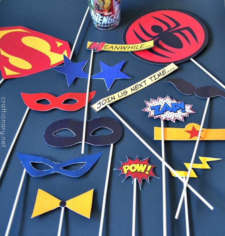superhero birthday party free printables geek photobooth props pinterest superhelden. Black Bedroom Furniture Sets. Home Design Ideas