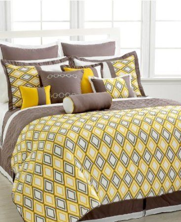 Amazon Com 11 Piece King Earthan Yellow Ivory Goematric Bed In A