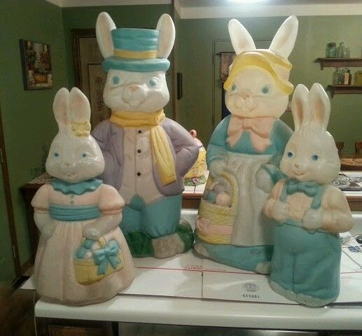 Vintage Empire Blow Mold Light Up Plastic Easter Bunny Family In