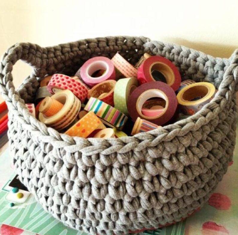 Panier Realise Avec Le Fil Hoooked Zpagetti Plein De Couleurs Chez Loisirs Et Creation Tricot Et Crochet Petit Panier Tapis En Crochet