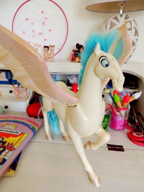 jouet pgase le cheval dhercule qui vole disney