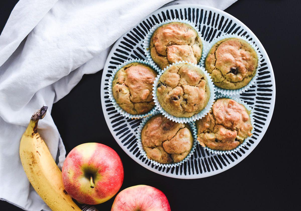 Apfel Bananen Muffins Gesundes Rezept Perfekt Fur Kinder Gesunde Rezepte Muffins Gesund Bananen Muffins