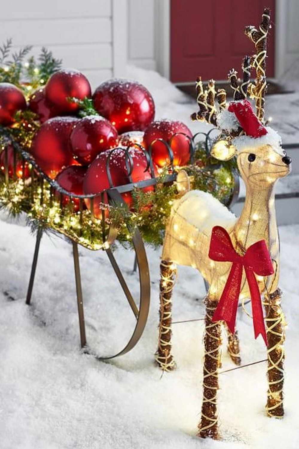 outdoor burlap reindeer - Burlap Outdoor Christmas Decorations