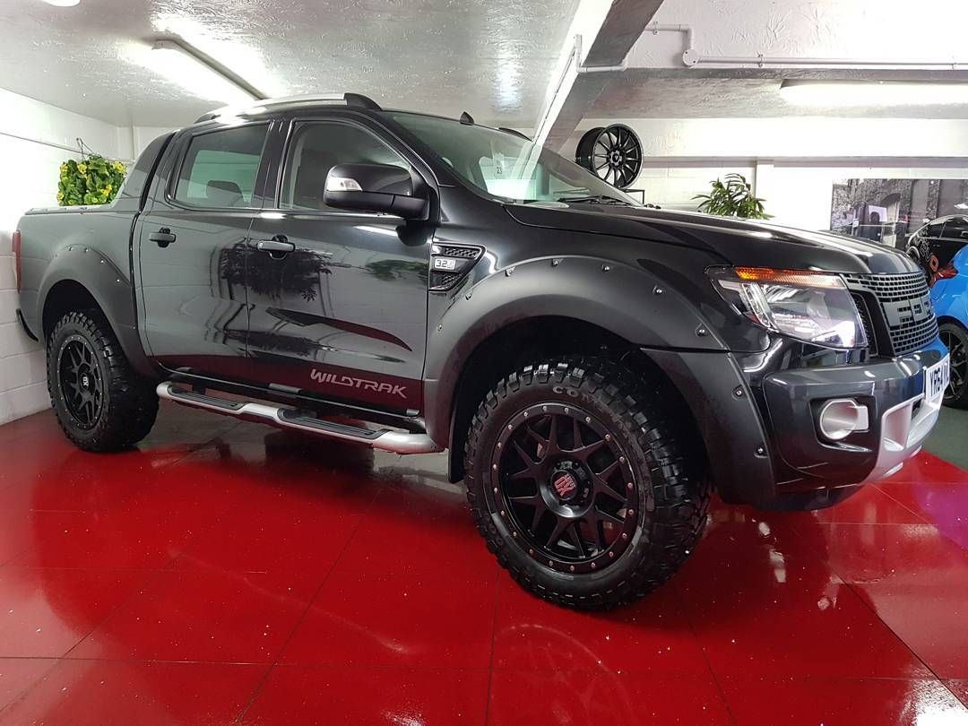 Ford ranger wildtrak 4x4 dcb 3 2 tdci stunning black metallic raptor front grill wide body kit 20inch kmc alloys cost 2500 amadillo roll
