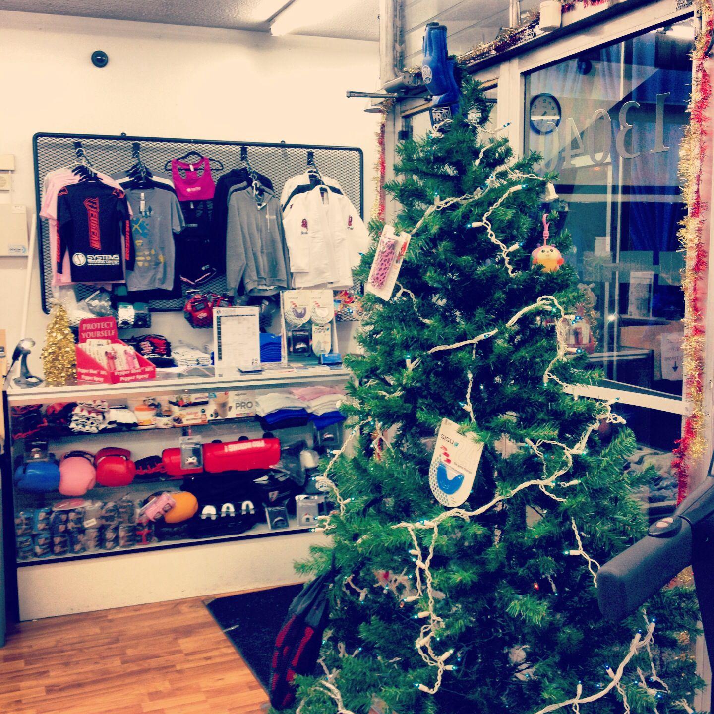 Fighters Xmas Tree Christmas Happyholidays Vacation Mma Muaythai Boxing Kickboxing Bjj Sparring Training Gym Motivation F Krav Maga Bjj Xmas Tree