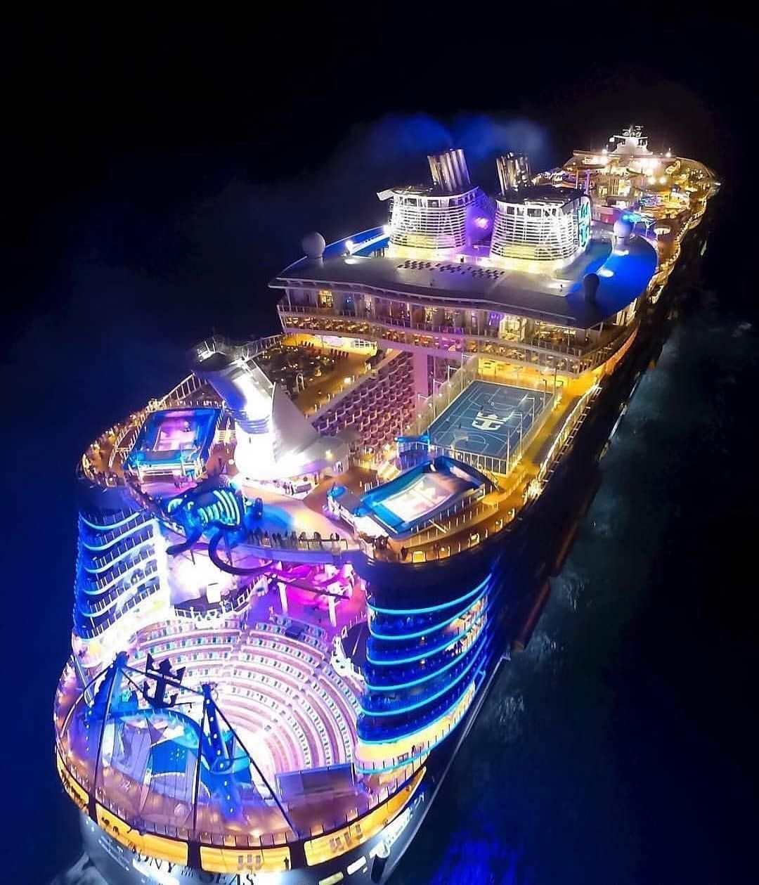 Votre Vie De Luxe Commence Ici Https Bit Ly 2m2xal0 Kingdomofbillionaires Luxe Argent Riche Ri Cruise Ship Pictures Biggest Cruise Ship Cruise Party