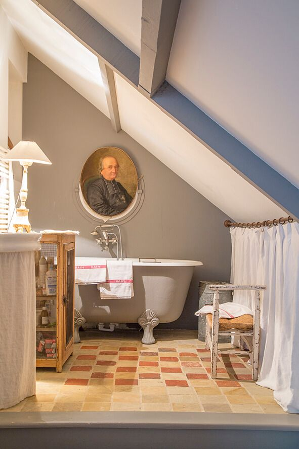 Una casa in Stile Gustaviano Beautiful bathrooms, Shabby