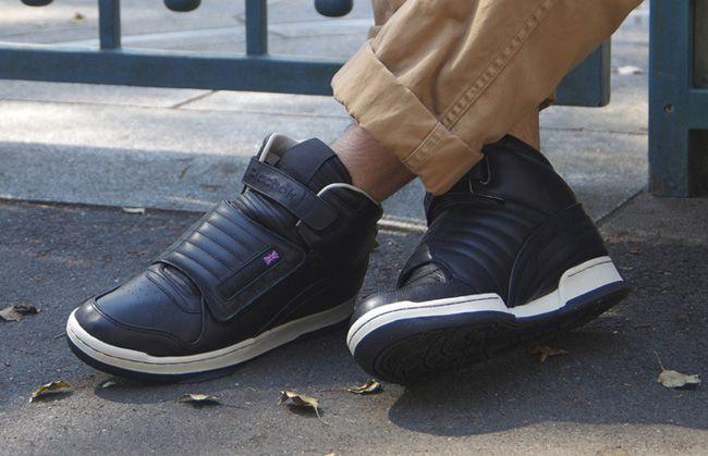 706d47e7 Reebok Alien Stompers. Navy Blue variant. <3 | Aliens Reebok Shoe ...