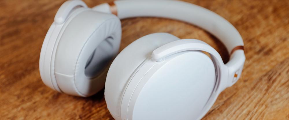 头戴耳机塞 Google 搜索 in 2020 In ear headphones, Goggles, Ear