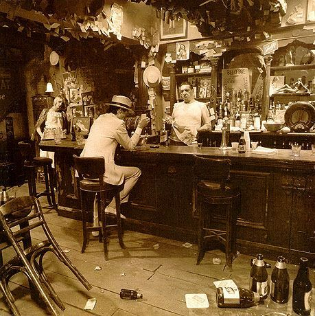 The 6 Variant Album Covers Of Led Zeppelin S In Through The Out Door Led Zeppelin Albums Led Zeppelin Album Covers Zeppelin