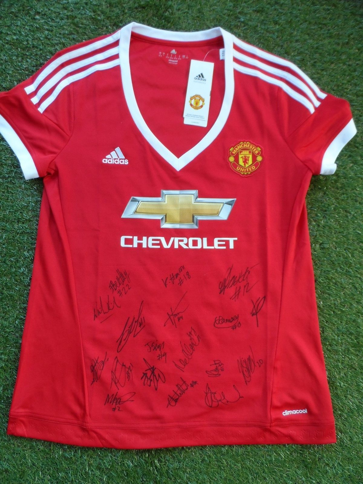 7cbd7be9a57 Manchester United Women Shirt Hand Signed by 2018 2019 Squad - 18  Autographs
