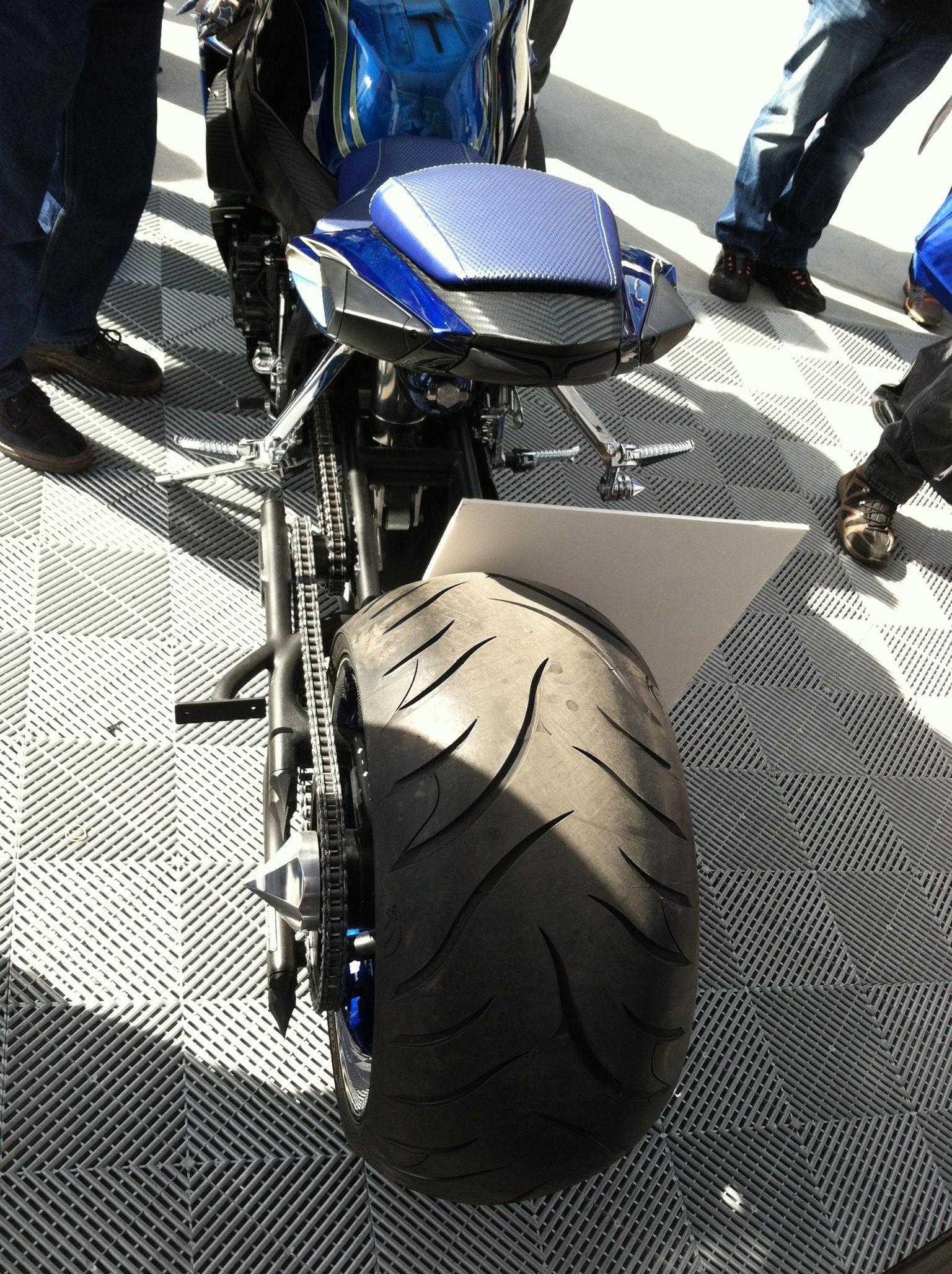 Motorcycle gloves gsxr - Suzuki Gsxr 300 Rear Tire
