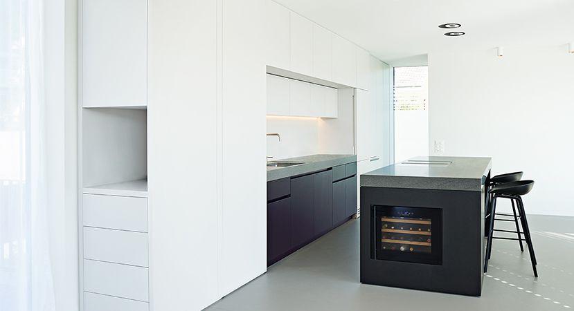 Eleganz und Minimalismus Individuelle Küchen von Holzrausch - küche schwarz weiß