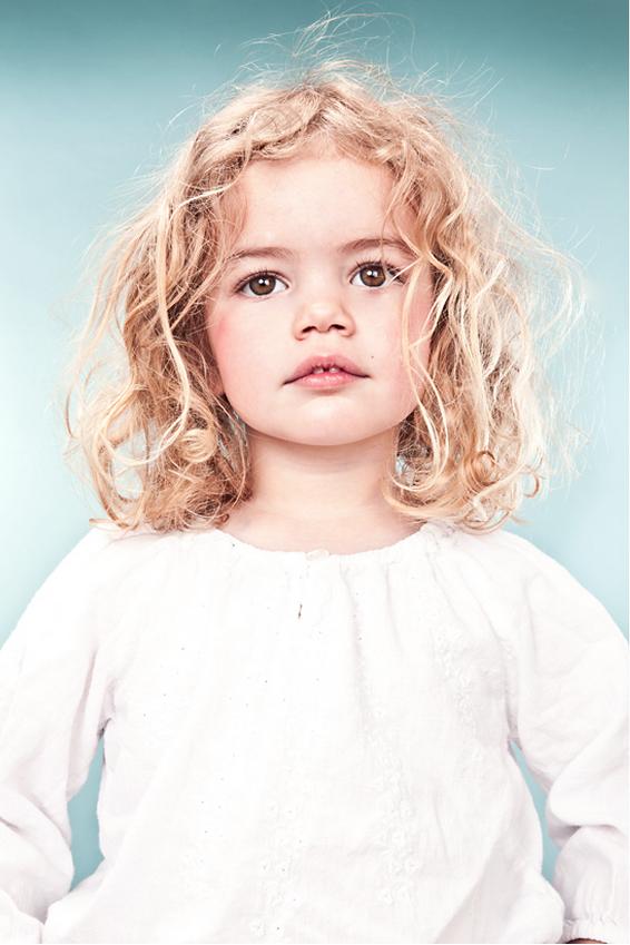 девушка модель работы с детьми раннего возраста
