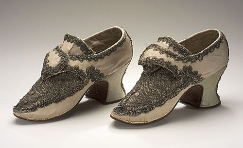 9ef51632c6e Pair of Woman's Shoes England, circa 1700-1715 | early clothing ...