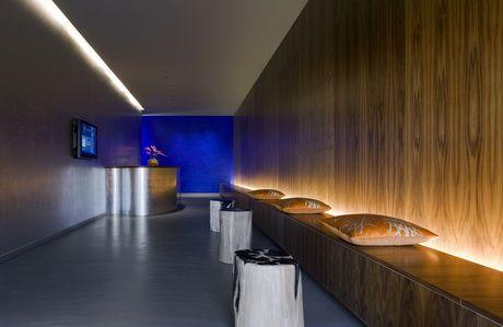 pin登越 許 on interior  yoga room design home yoga room