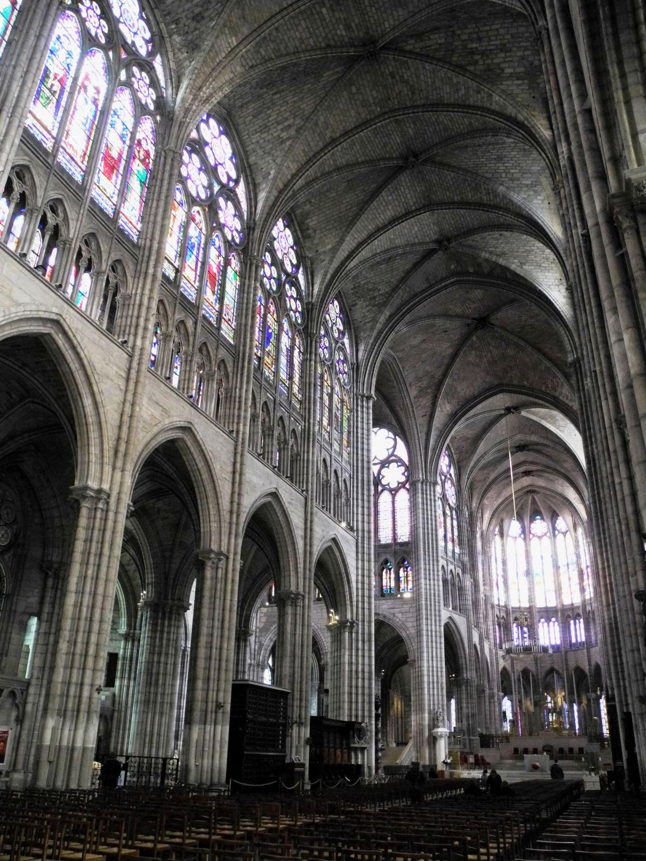 Saint Denis (FRA), la Basilique Cathédrale, nécropole des rois de France (XII s XIII s).