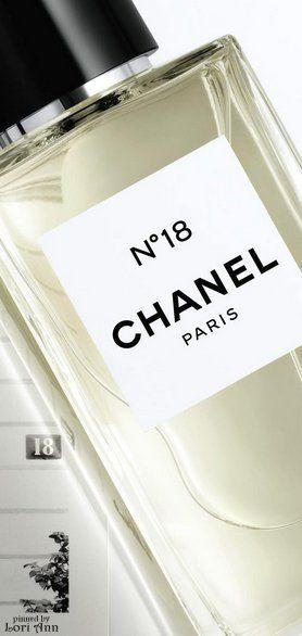 Les Exclusifs de Chanel N°18