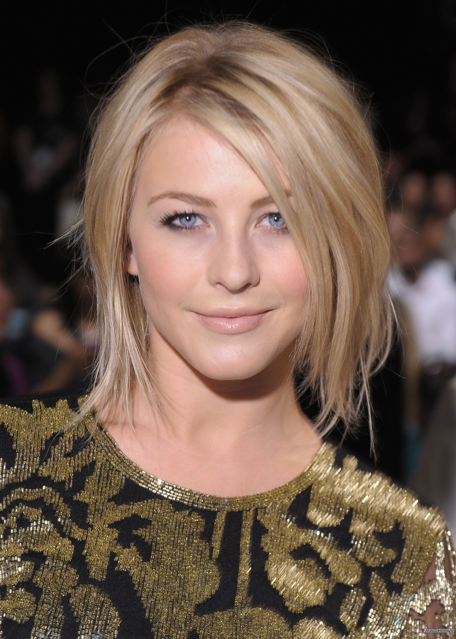 Celebrate Julianne Hough s Birthday With a Look at Her Best Bob