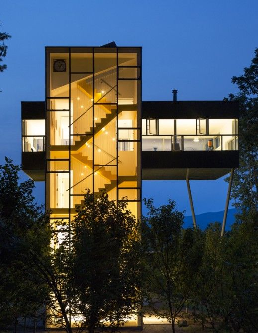Tower House By Gluck Architecture Merit Award Winner Image Paul Warchol Tower House Architecture Modern Architecture